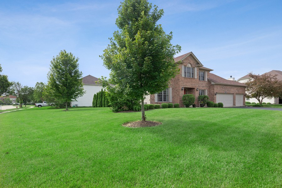 Real Estate Photography - 24265 Eagle Chase Drive, Plainfield, IL, 60544 - Front View