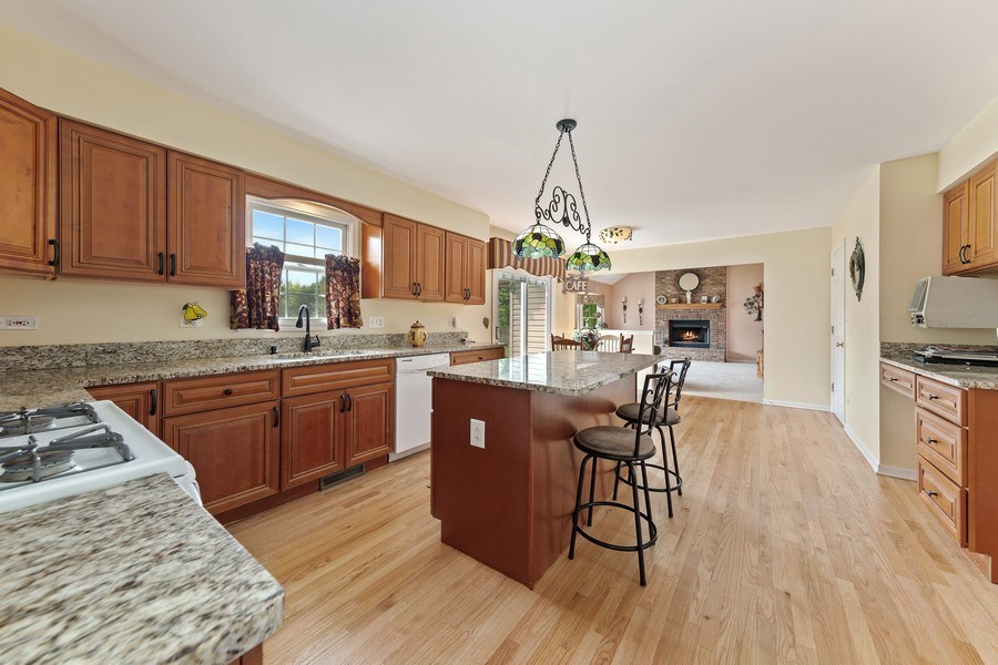 Real Estate Photography - 24265 Eagle Chase Drive, Plainfield, IL, 60544 - Kitchen