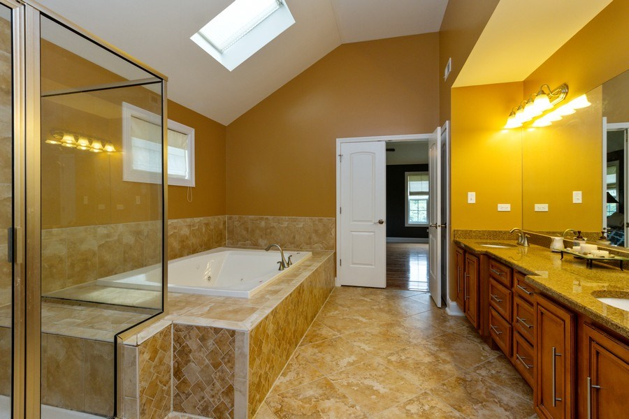 Real Estate Photography - 20035 Delphi Dr, Olympia Fields, IL, 60461 - Master Bathroom