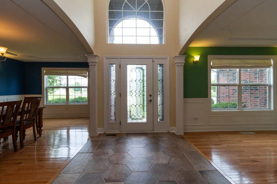 Real Estate Photography - 20035 Delphi Dr, Olympia Fields, IL, 60461 - Foyer
