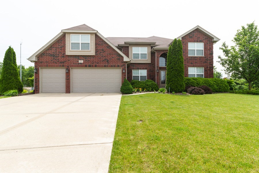 Real Estate Photography - 20035 Delphi Dr, Olympia Fields, IL, 60461 - Front View