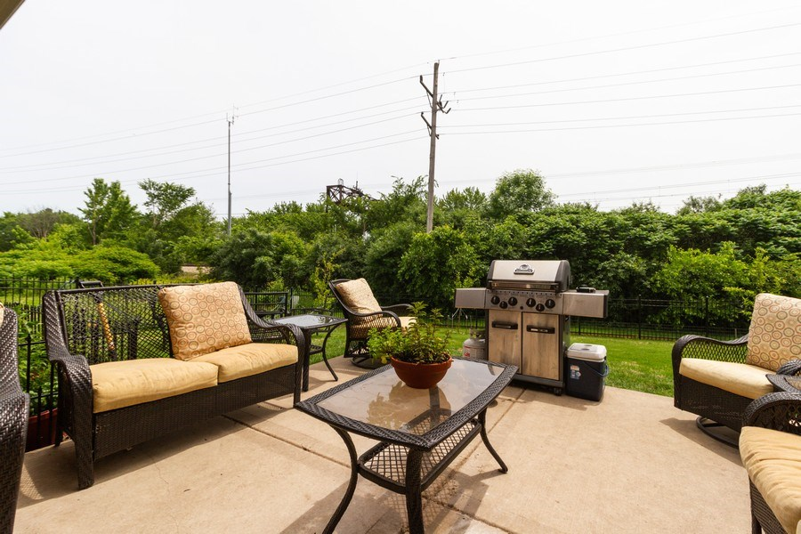 Real Estate Photography - 20035 Delphi Dr, Olympia Fields, IL, 60461 - Porch