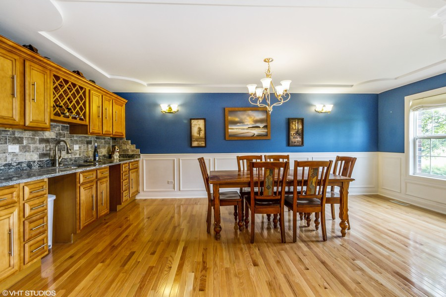 Real Estate Photography - 20035 Delphi Dr, Olympia Fields, IL, 60461 - Dining Room with Wet Bar