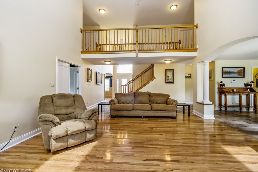 Real Estate Photography - 20035 Delphi Dr, Olympia Fields, IL, 60461 - Family Room