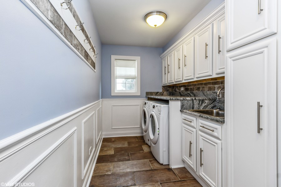 Real Estate Photography - 20035 Delphi Dr, Olympia Fields, IL, 60461 - Laundry Room