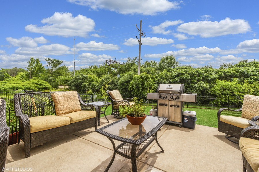 Real Estate Photography - 20035 Delphi Dr, Olympia Fields, IL, 60461 - Patio