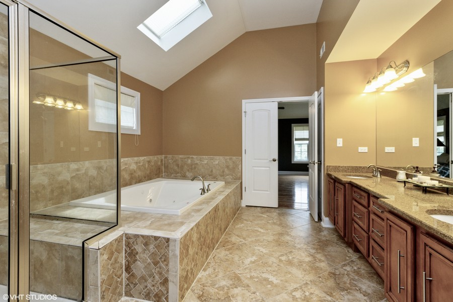 Real Estate Photography - 20035 Delphi Dr, Olympia Fields, IL, 60461 - 2nd Floor Master Suite Bathroom