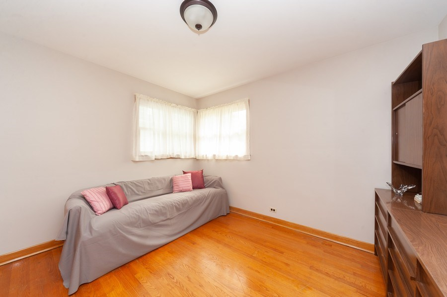 Real Estate Photography - 306 S. WATERMAN Avenue, Arlington Heights, IL, 60004 - 2nd Bedroom