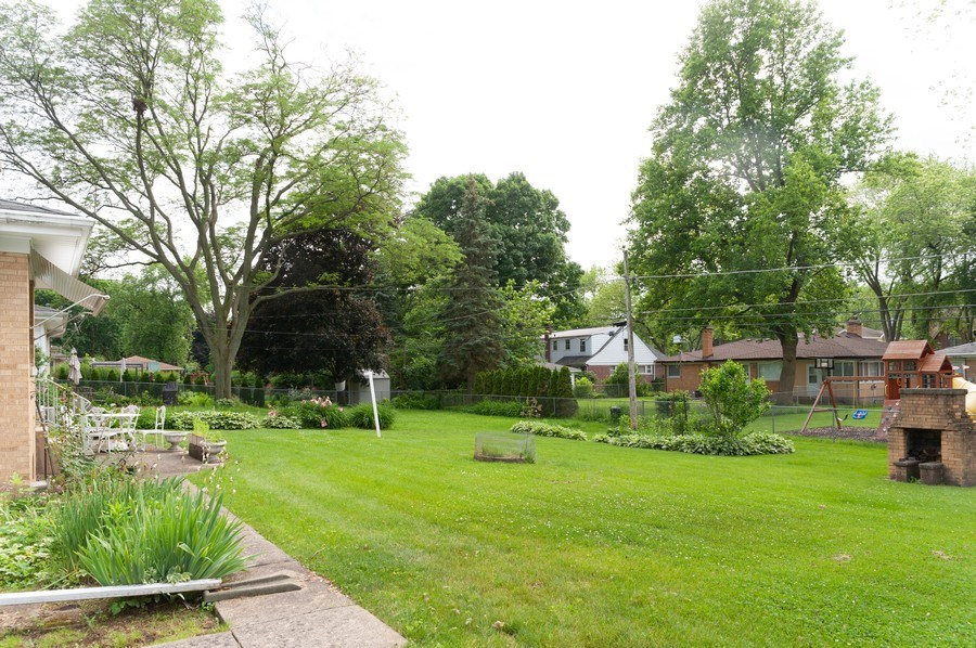 Real Estate Photography - 306 S. WATERMAN Avenue, Arlington Heights, IL, 60004 - Back Yard