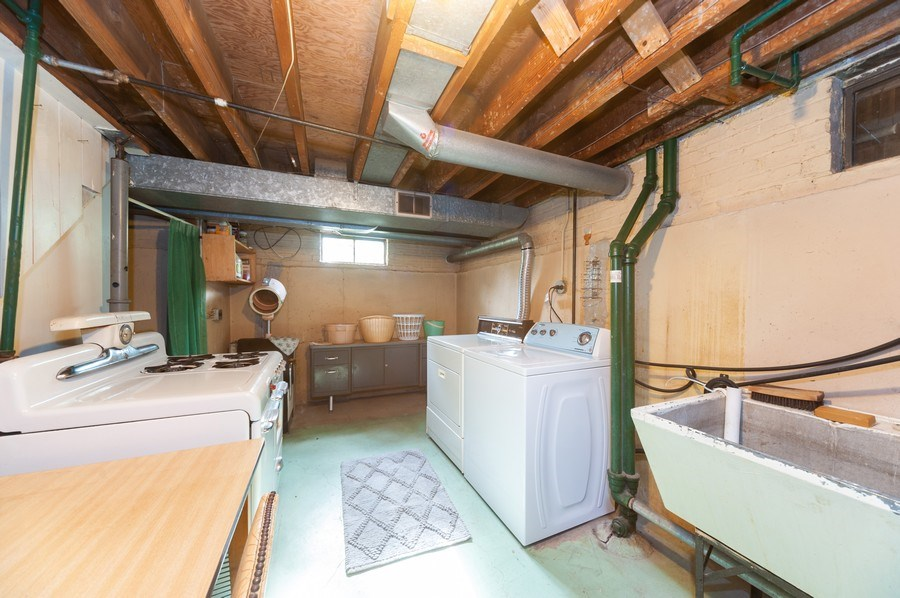 Real Estate Photography - 306 S. WATERMAN Avenue, Arlington Heights, IL, 60004 - Laundry Room