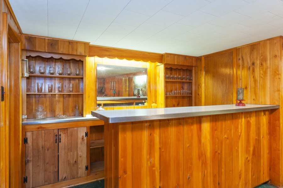 Real Estate Photography - 306 S. WATERMAN Avenue, Arlington Heights, IL, 60004 - Recreation Room-Bar