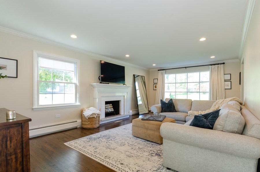 Real Estate Photography - 307 Sharon Drive, Barrington, IL, 60010 - Living Room