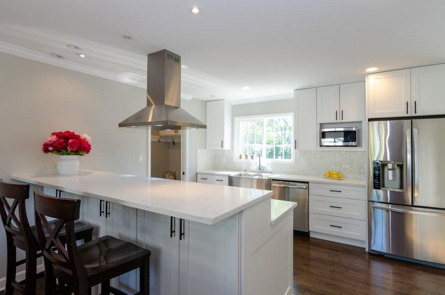 Real Estate Photography - 307 Sharon Drive, Barrington, IL, 60010 - Kitchen