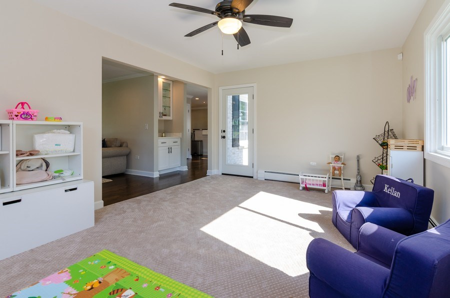 Real Estate Photography - 307 Sharon Drive, Barrington, IL, 60010 - Family Room