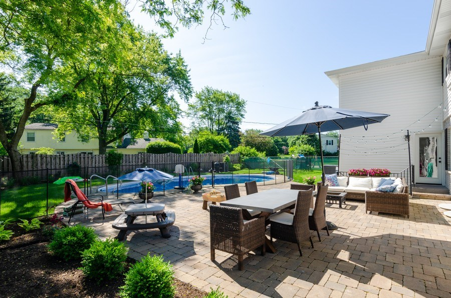 Real Estate Photography - 307 Sharon Drive, Barrington, IL, 60010 - Patio