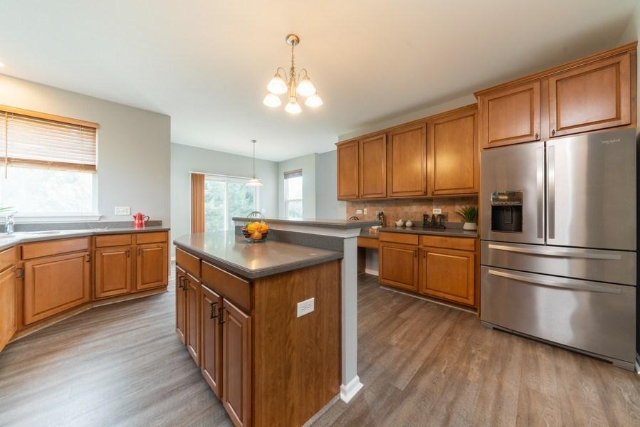 Real Estate Photography - 777 Barclay Drive, Bolingbrook, IL, 60440 - Kitchen