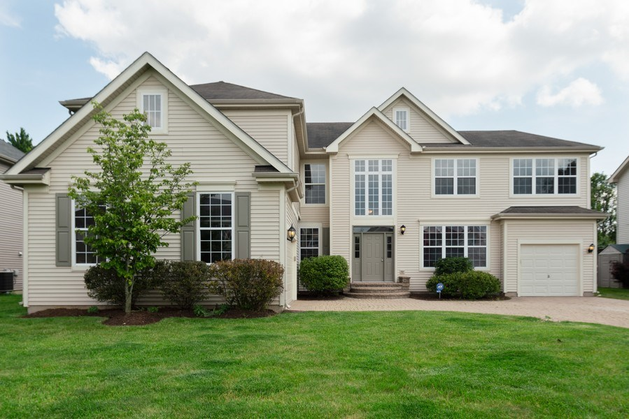 Real Estate Photography - 777 Barclay Drive, Bolingbrook, IL, 60440 - Front View