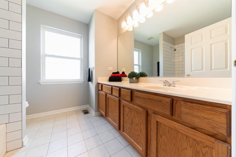 Real Estate Photography - 777 Barclay Drive, Bolingbrook, IL, 60440 - 2nd Bathroom