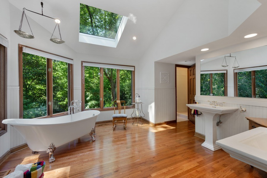 Real Estate Photography - 258 Pebble Creek Drive, Tower Lakes, IL, 60010 - Master Bathroom