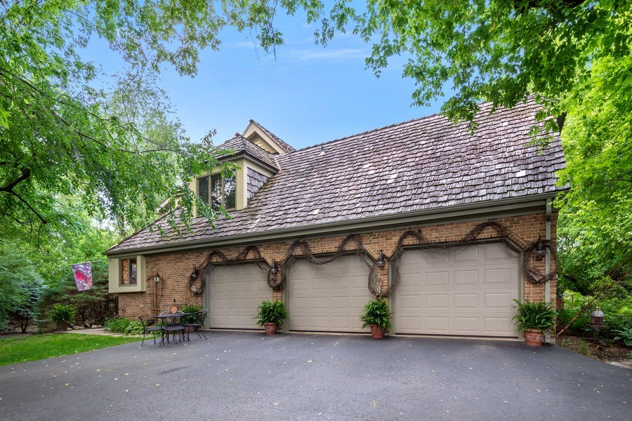 Real Estate Photography - 258 Pebble Creek Drive, Tower Lakes, IL, 60010 - Garage