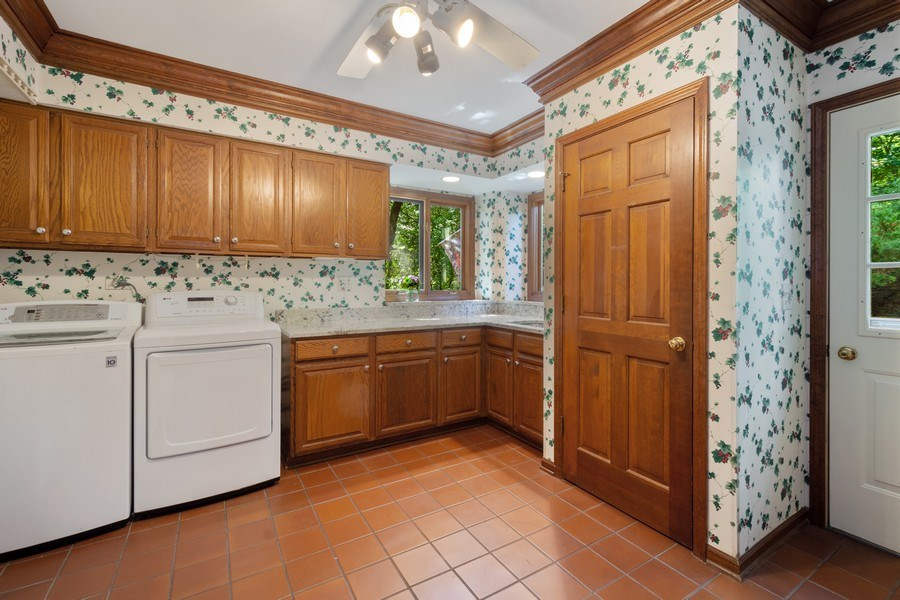 Real Estate Photography - 258 Pebble Creek Drive, Tower Lakes, IL, 60010 - Laundry/Mud Room