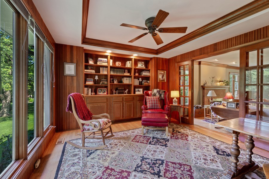 Real Estate Photography - 258 Pebble Creek Drive, Tower Lakes, IL, 60010 - Library