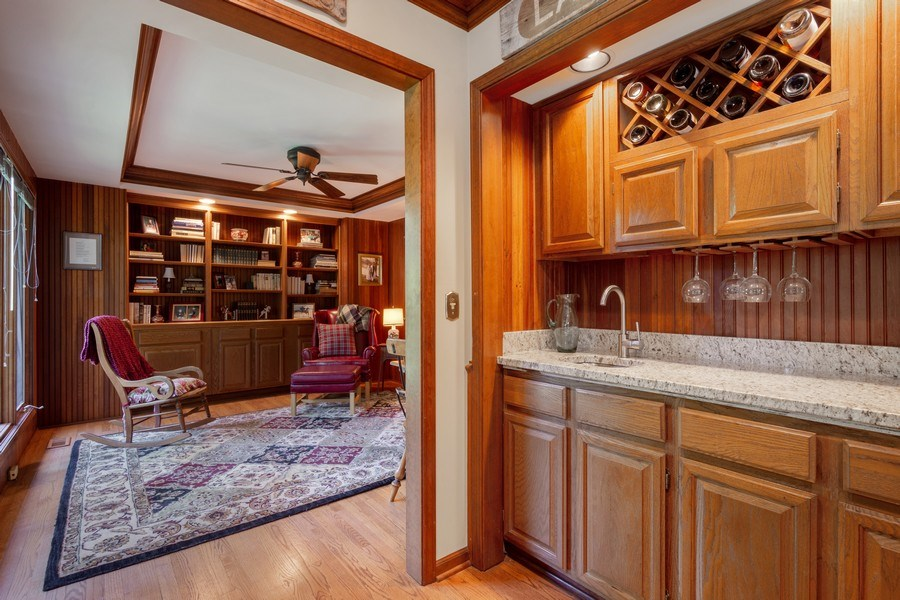 Real Estate Photography - 258 Pebble Creek Drive, Tower Lakes, IL, 60010 - Bar