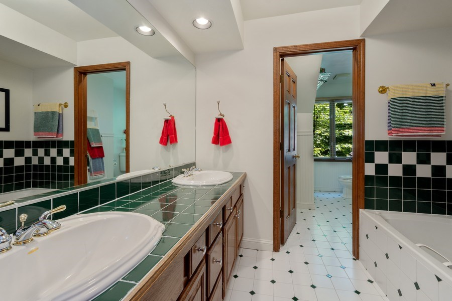 Real Estate Photography - 258 Pebble Creek Drive, Tower Lakes, IL, 60010 - Hall Bathroom