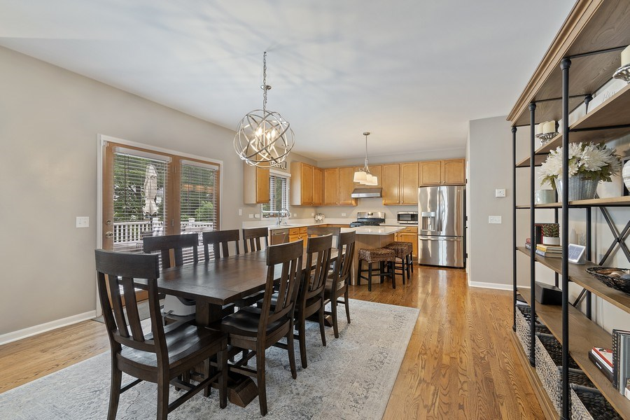 Real Estate Photography - 924 Erb Farm Lane, Naperville, IL, 60563 - Expansive eating area