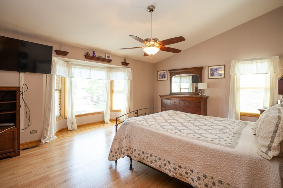 Real Estate Photography - 324 Ridgewood Drive, Bloomingdale, IL, 60108 - Master Bedroom