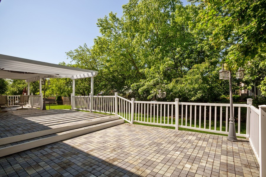 Real Estate Photography - 324 Ridgewood Drive, Bloomingdale, IL, 60108 - Deck