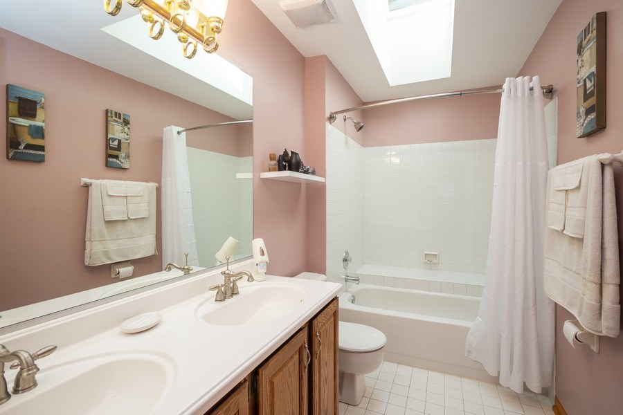 Real Estate Photography - 324 Ridgewood Drive, Bloomingdale, IL, 60108 - Bathroom