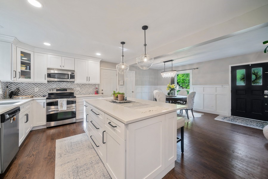 Real Estate Photography - 366 Indian Dr, Glen Ellyn, IL, 60137 - Kitchen/Dining