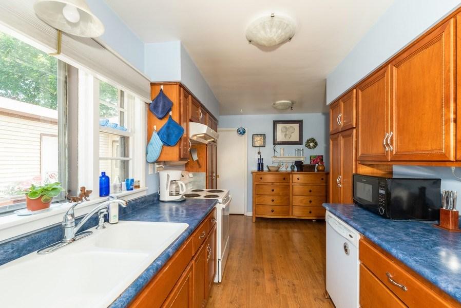 Real Estate Photography - 822 N. Washington Street, Naperville, IL, 60563 - Kitchen