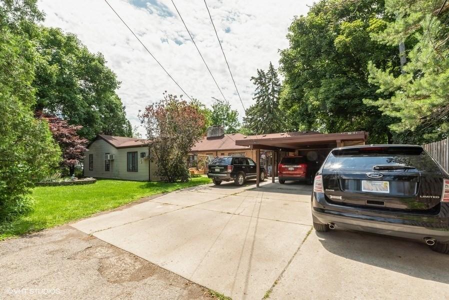 Real Estate Photography - 822 N. Washington Street, Naperville, IL, 60563 -