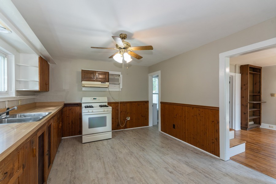 Real Estate Photography - 740 Walnut Street, Batavia, IL, 60510 - Kitchen