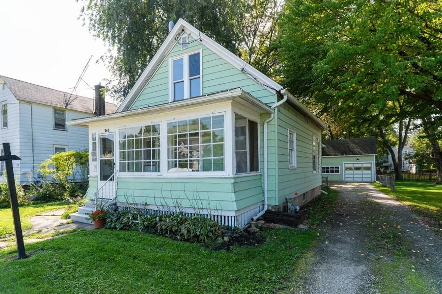 Real Estate Photography - 740 Walnut Street, Batavia, IL, 60510 - Front View