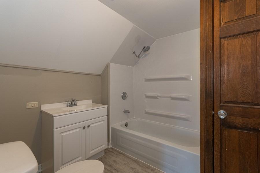 Real Estate Photography - 740 Walnut Street, Batavia, IL, 60510 - Bathroom