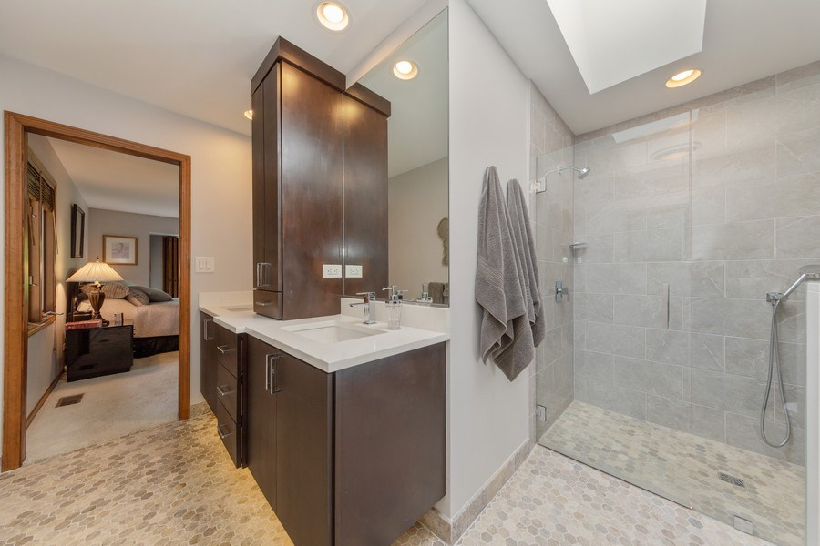 Real Estate Photography - 871 Baker Court, Glen Ellyn, IL, 60137 - Master Bathroom