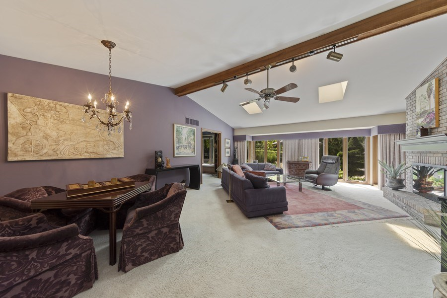 Real Estate Photography - 871 Baker Court, Glen Ellyn, IL, 60137 - Great Room