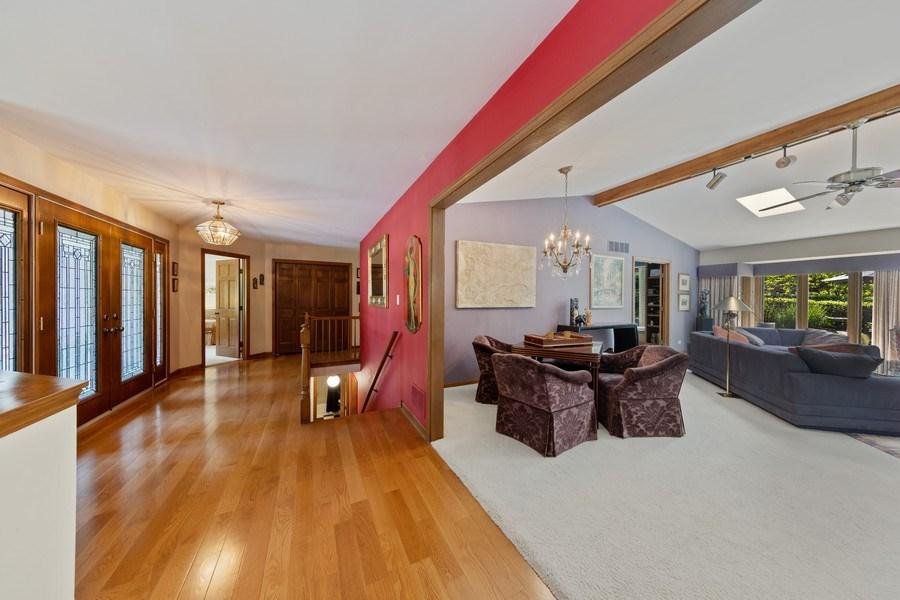Real Estate Photography - 871 Baker Court, Glen Ellyn, IL, 60137 - Foyer