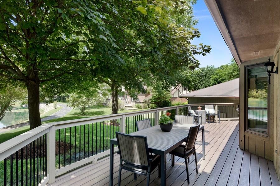 Real Estate Photography - 871 Baker Court, Glen Ellyn, IL, 60137 - Deck