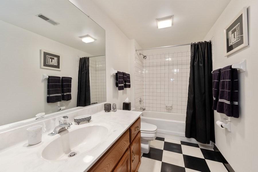 Real Estate Photography - 871 Baker Court, Glen Ellyn, IL, 60137 - Basement Bath