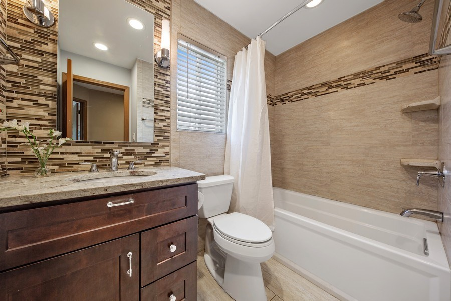 Real Estate Photography - 2015 Spice Circle, Naperville, IL, 60565 - Bathroom