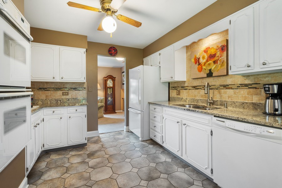 Real Estate Photography - 502 S. Reuter Drive, Arlington Heights, IL, 60005 - Kitchen