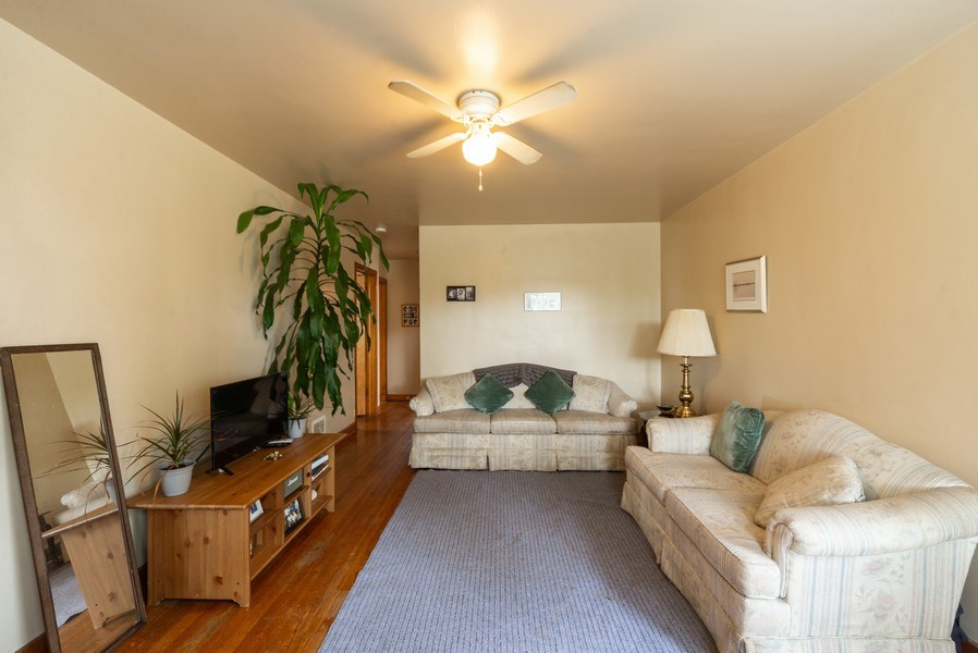 Real Estate Photography - 1028 Linden Avenue, Bellwood, IL, 60104 - Living Room