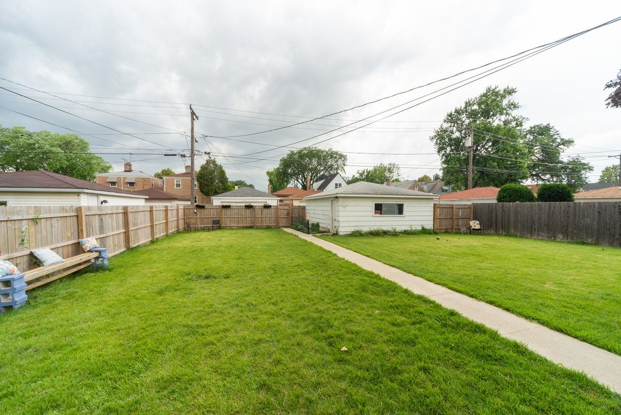 Real Estate Photography - 1028 Linden Avenue, Bellwood, IL, 60104 - Back Yard