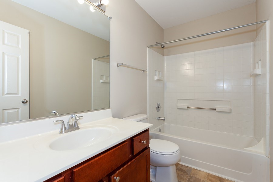 Real Estate Photography - 2442 Halsted Lane, Aurora, IL, 60503 - Bathroom