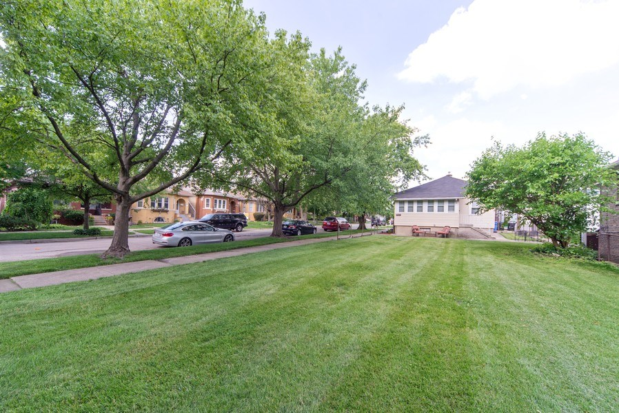 Real Estate Photography - 2057 N. Newland Avenue, Chicago, IL, 60707 - Back Yard