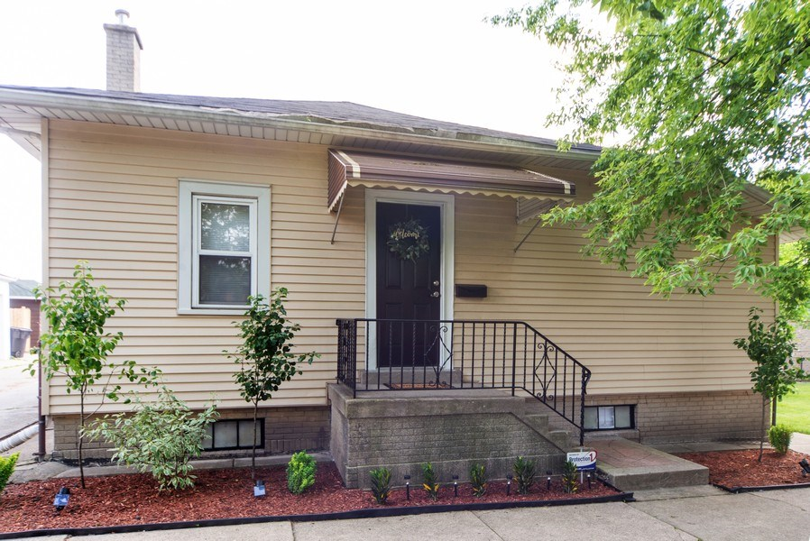 Real Estate Photography - 2057 N. Newland Avenue, Chicago, IL, 60707 - Front View